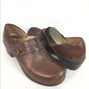 DANSKO | brown clogs